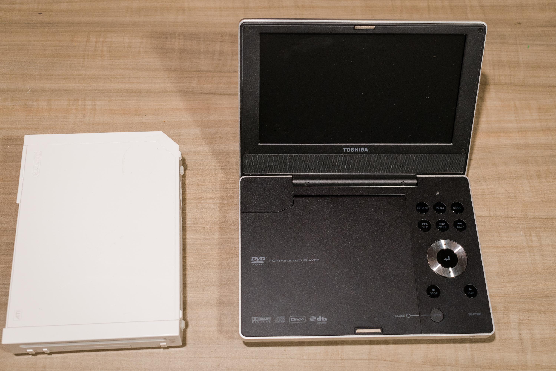 DVD player next to wii.jpg